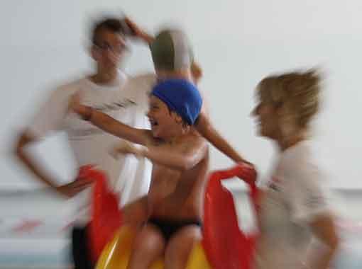istruttori-corsi-bambini-piscina-montebelluna