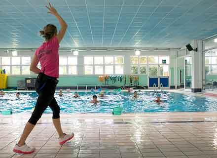 acquagym-in-acqua-fonda-lezioni-piscine-montebelluna-treviso