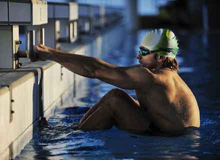 corso-nuoto-adulti-serale-piscina-montebelluna-treviso